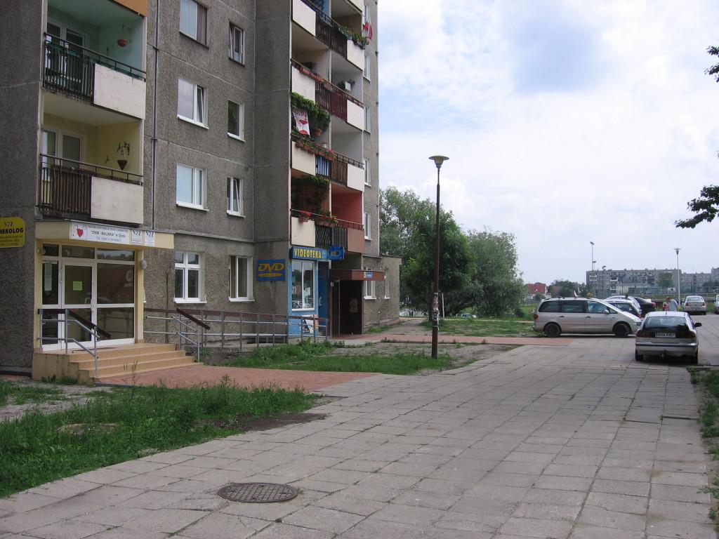 """07 Wypożyczalnia filmów DVD """"ALFA"""" 45-304 Opole ul. Sieradzka 3 Malinka lokal"""